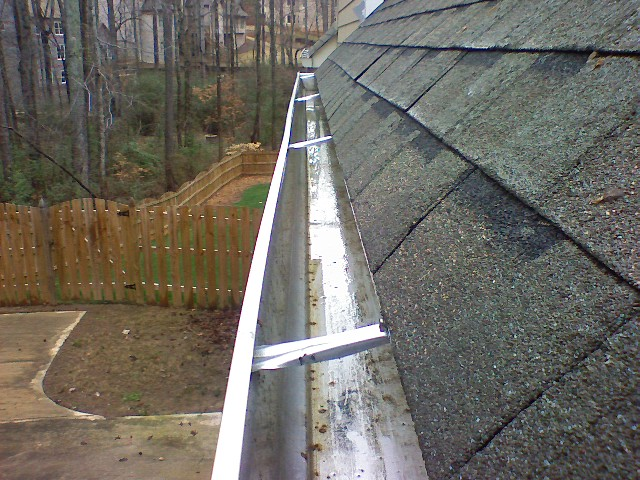 Gutter Cleaning Milwaukee Wisconsin